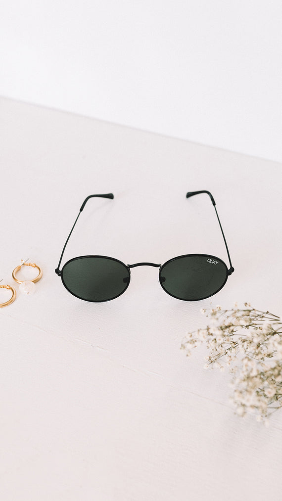 QUAY - MOD STAR - SUNGLASSES - BLACK/GREEN