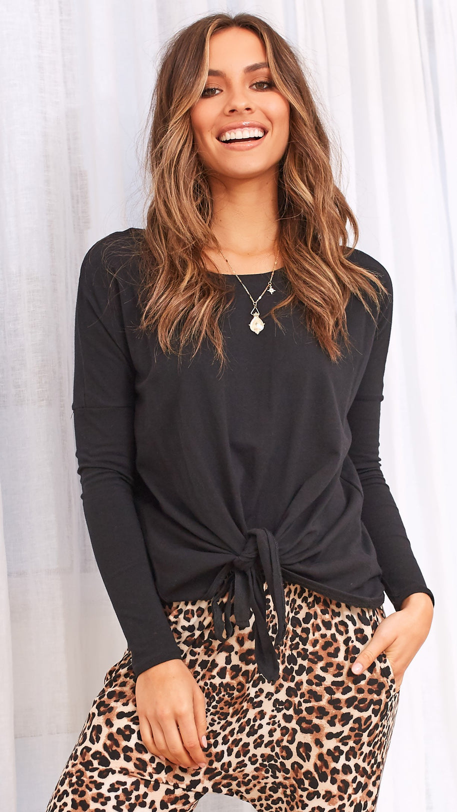 Willow Knot Top - Black