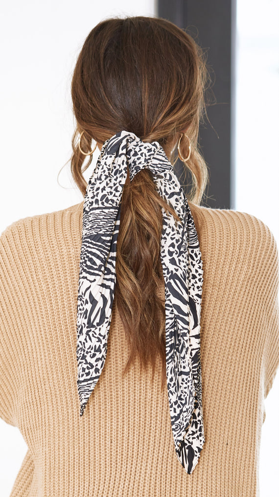 Korra Pleated Headscarf - Beige/Black Animal Print