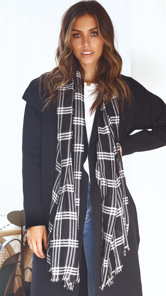 Wellington Scarf- Gingham Black and White
