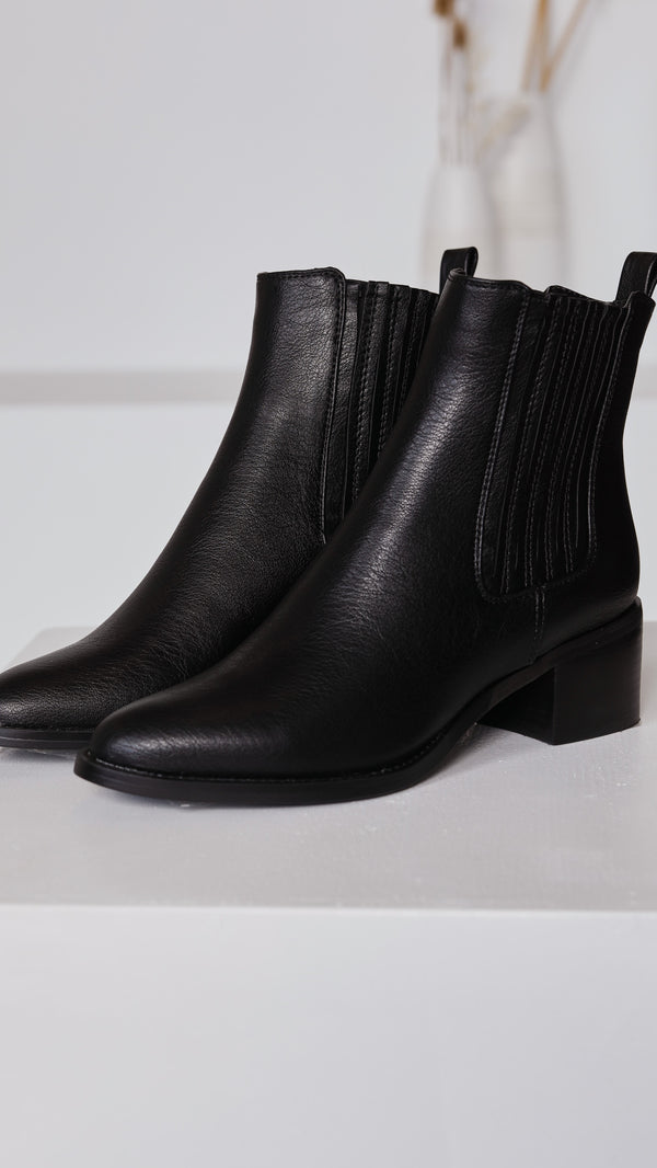 Eamon Ankle Boots - Black
