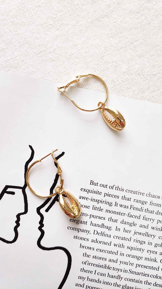 Coral Earrings - Gold