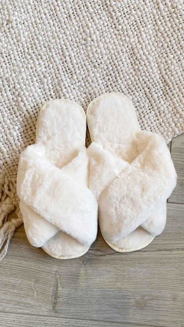 Jessica Fluffy Slippers - White