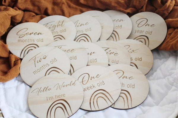 Foxx & Willow Milestone Wood Disc Set - Over the Rainbow
