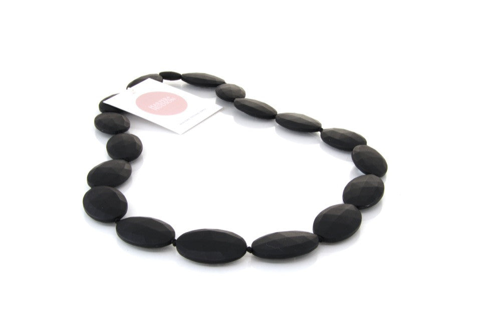 Harper + Hudson Grace Teething Necklace Black