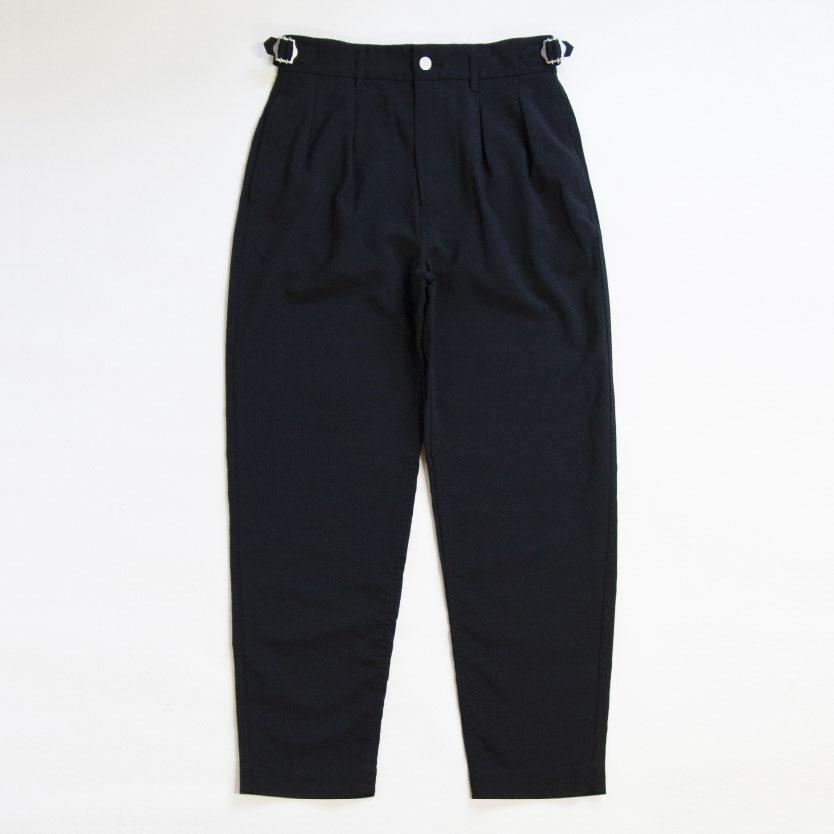 iori 2TUCK TROUSERS
