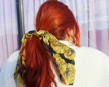 Load image into Gallery viewer, Flores Amarillas 2-In-1 Scrunchie With Scarf