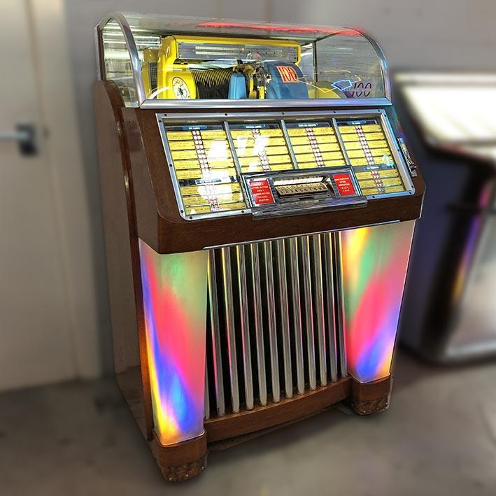 Seeburg M100C Vinyl Jukebox