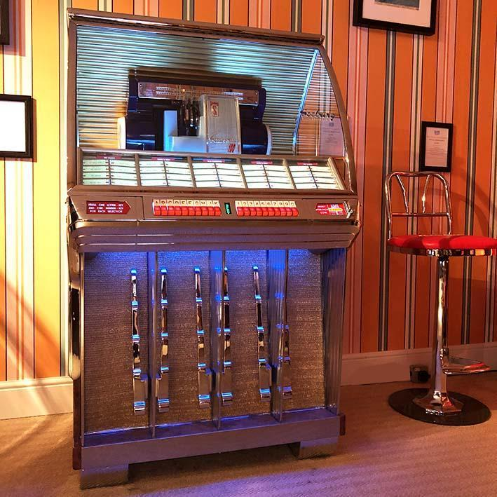 Seeburg HF100R Vinyl Jukebox