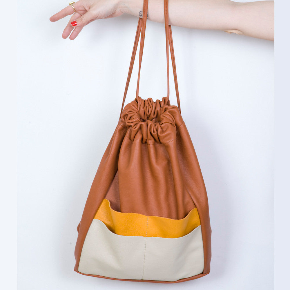 Backsack in Brandy, Apricot & Marble