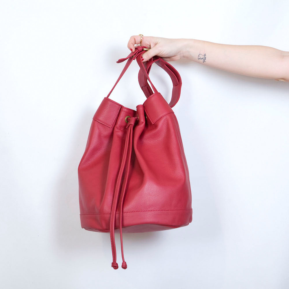 Bermuda Bucket Bag in Red