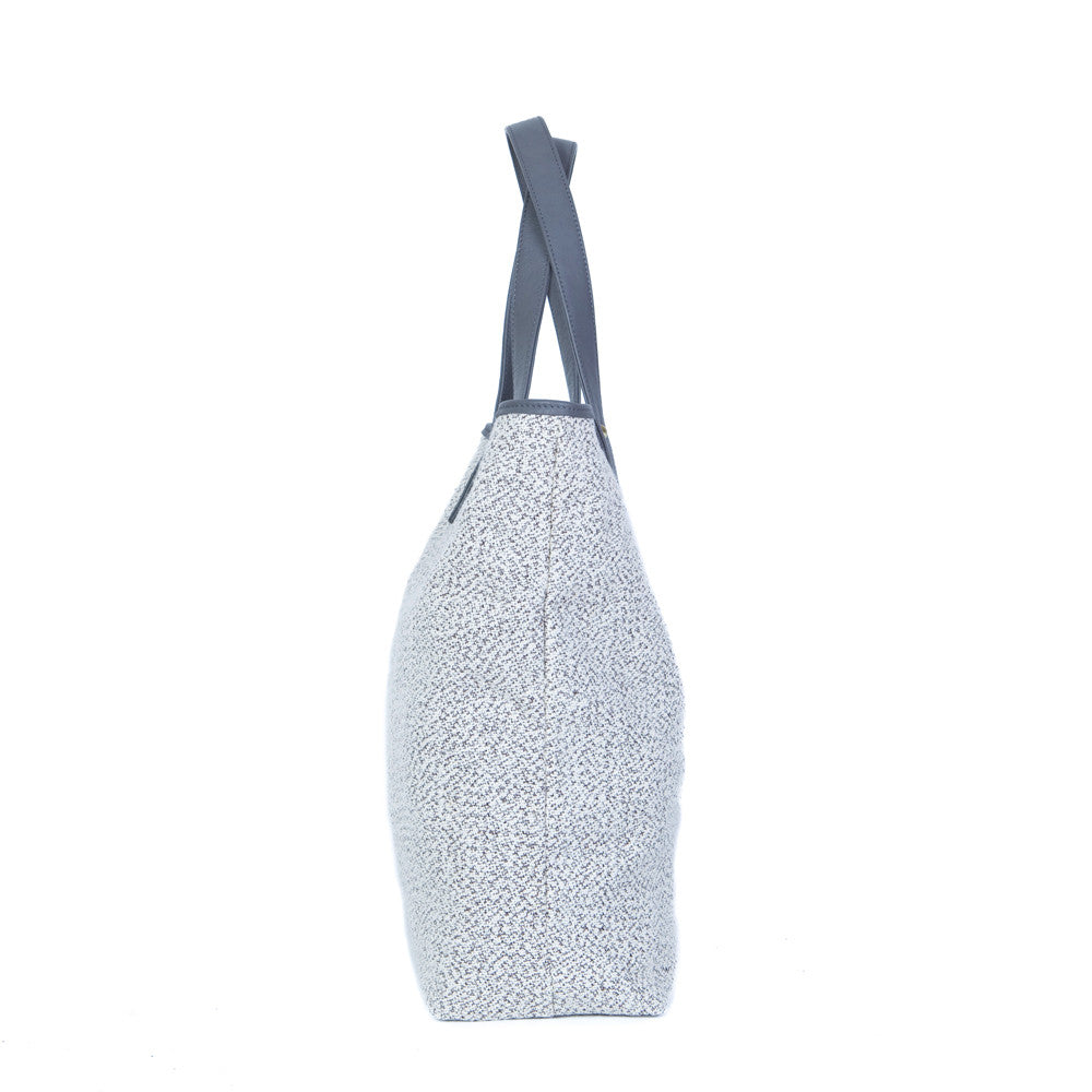 The Shopping Bag in Grey & White with the Smoke Grey & Brandy Tuft