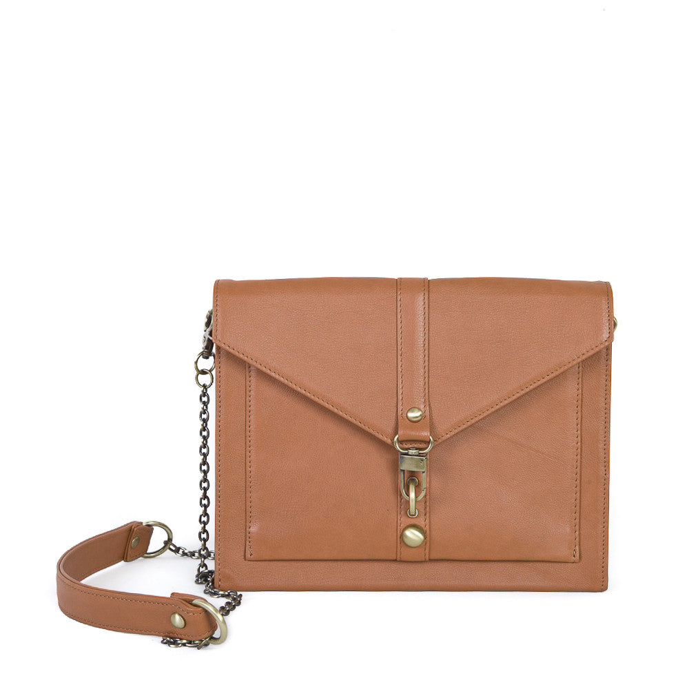 Fionn Clutch in Brandy
