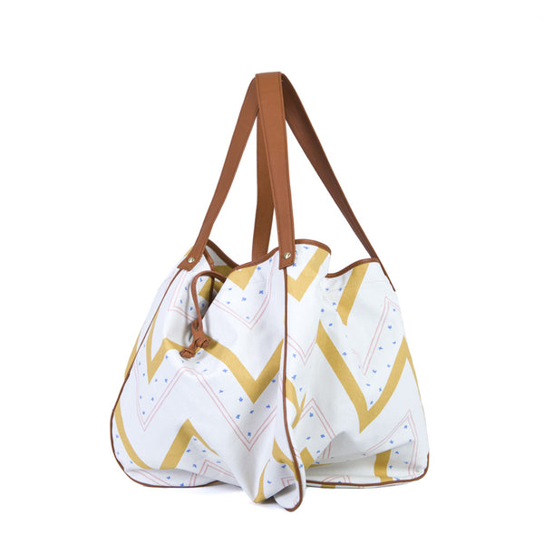 The Kalla Shopping Bag in Staikos