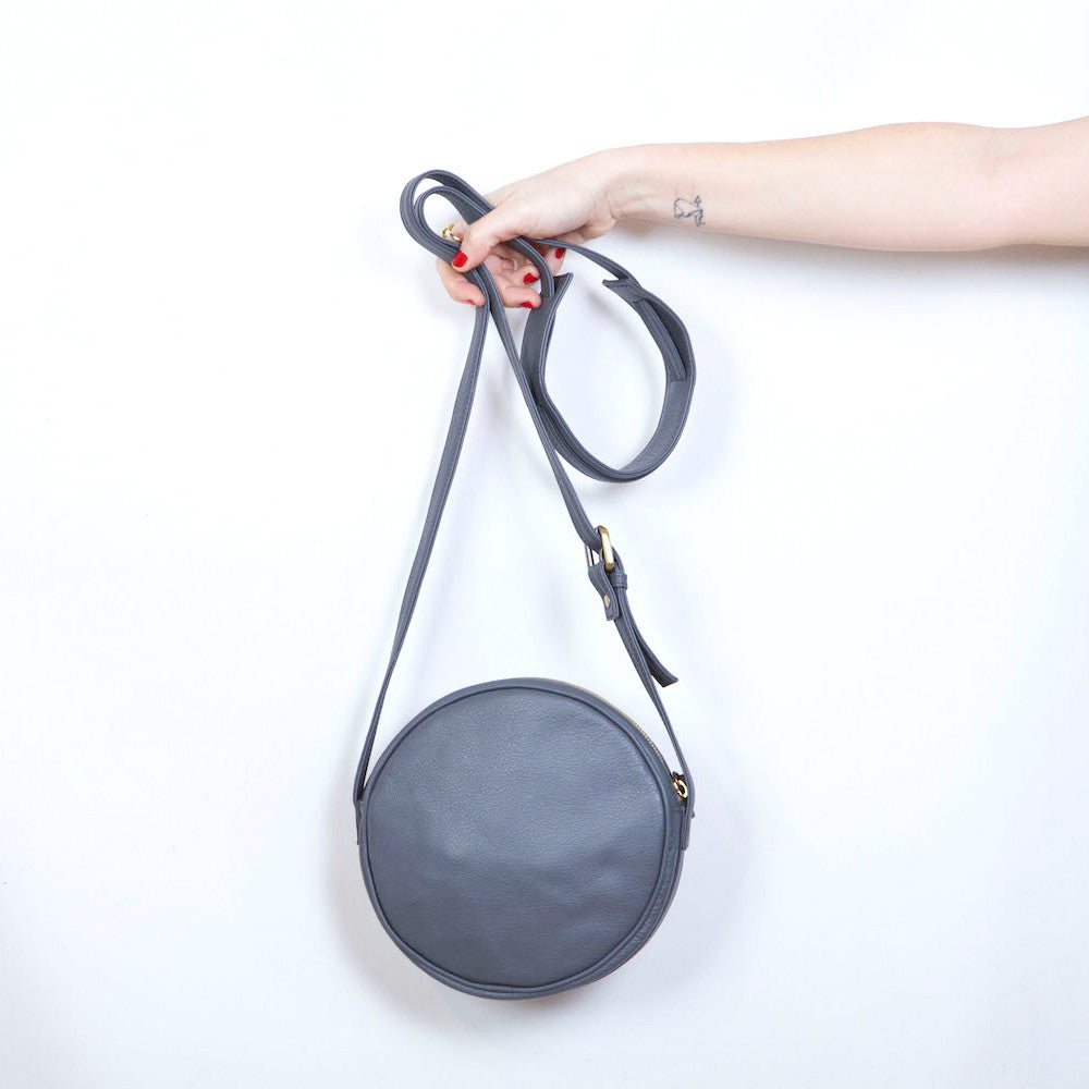 'O' Bag in Grey