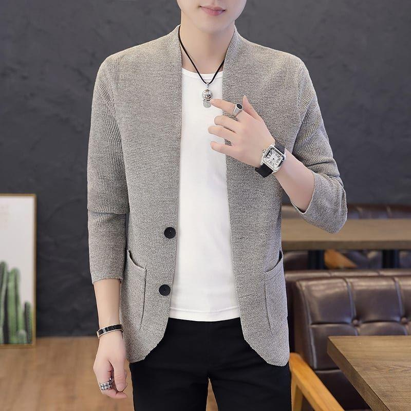 Men's knitted cardigans of pure color with single-breasted pockets