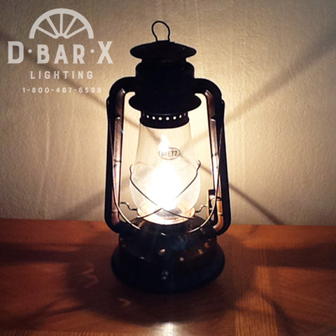 DX831: Rustic Lantern Table Lamp with Switch on Base
