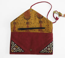 Load image into Gallery viewer, Hand embroidered clutch purse