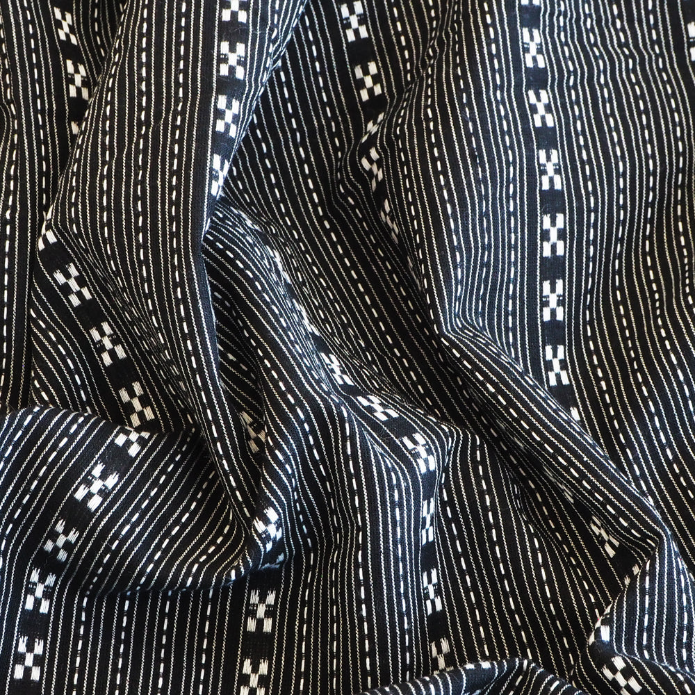 Pre-washed black and white jacquard cotton fabric