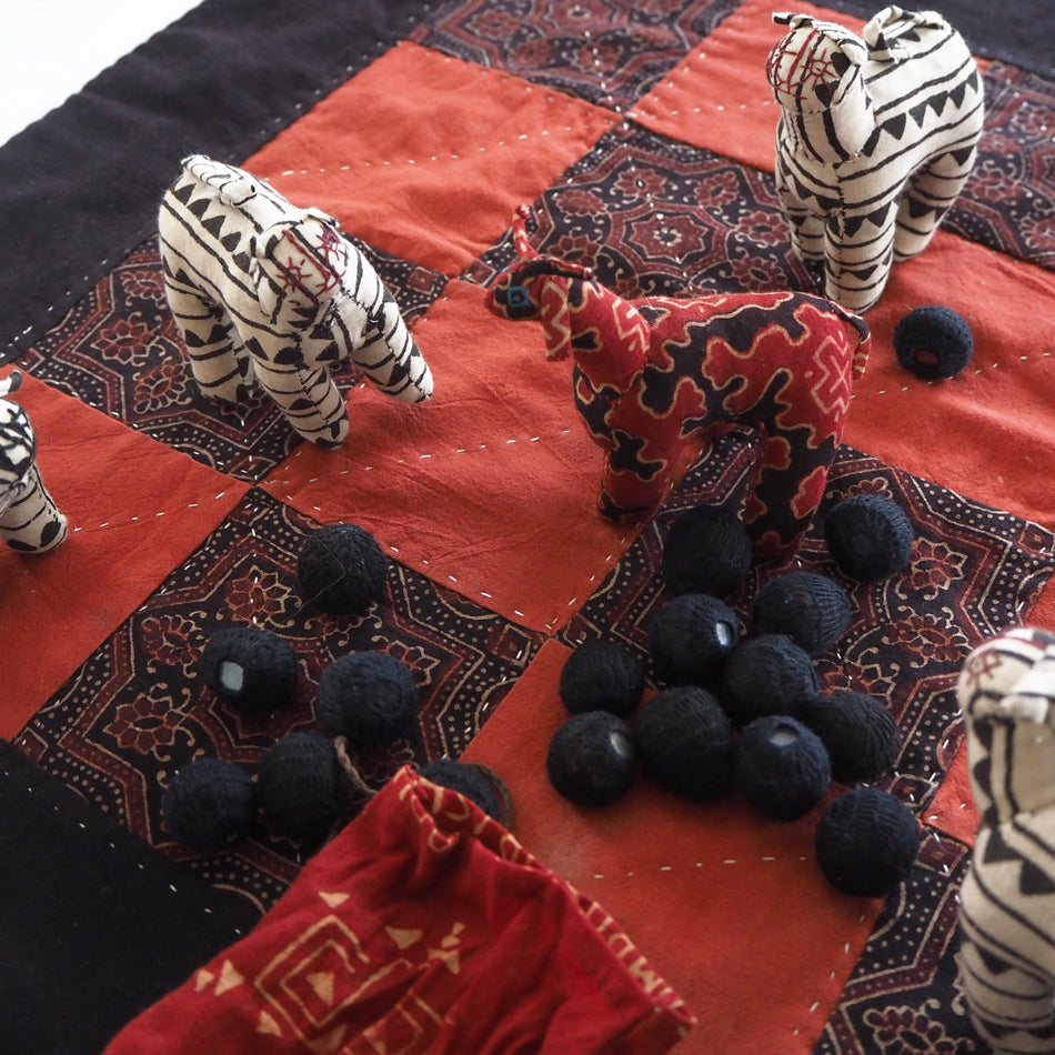 Hand made and fair trade game of Vagh aur Bakri