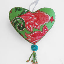 Load image into Gallery viewer, Beaded love hearts