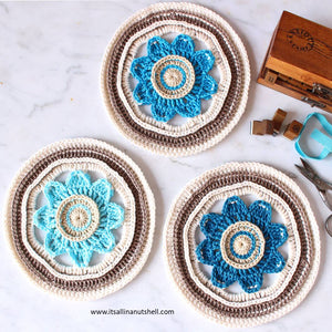 Blooming Dreams Mandala - The Mandala Box - BLAUW