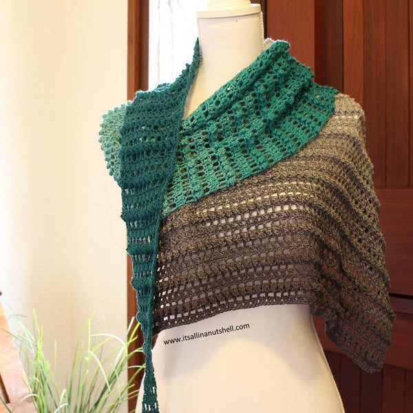 <transcy>Pattern: Sweet Caroline Shawl</transcy>