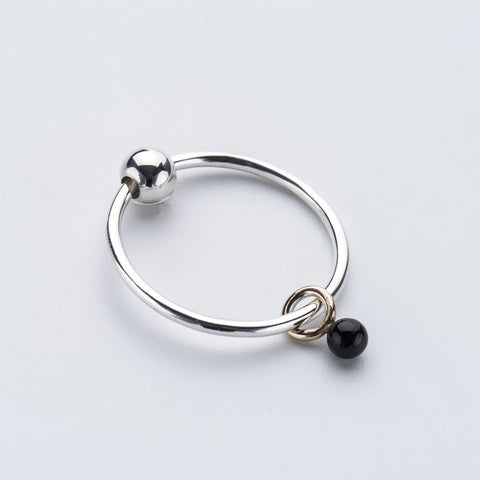Onyx Mini-Sinker Earring