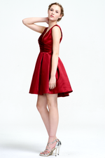 A-Line V-neck Short/Mini Ruffle Satin Homecoming Dress With Back Hole