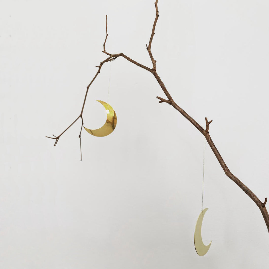 Brass crescent moons - set of 6