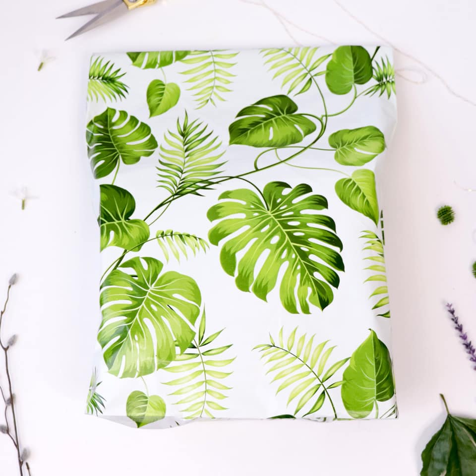 "Banana leaves gusseted 14.5x19x4"" poly mailer - set of 10"