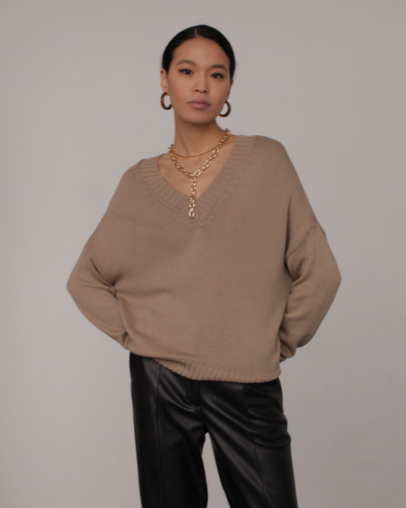 Cappuccino v-neck jumper