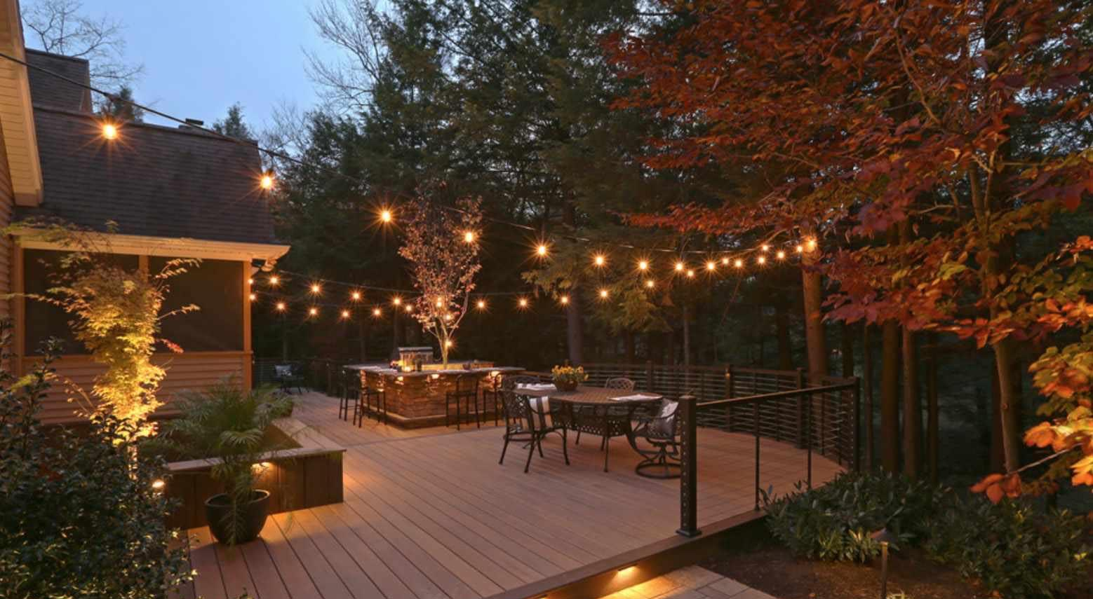4 Ways to Impress Friends, Family & Neighbors with Solar Lighting