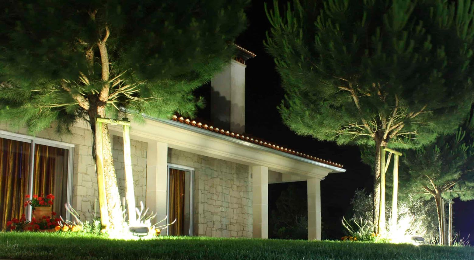 How Much Can You Save by Switching Outdoor Lighting to Solar?