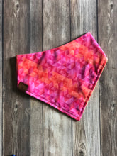 Load image into Gallery viewer, Geometric Ombre Bandana