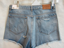 Load image into Gallery viewer, Women - Denim Short - New - Size 6               2/10A