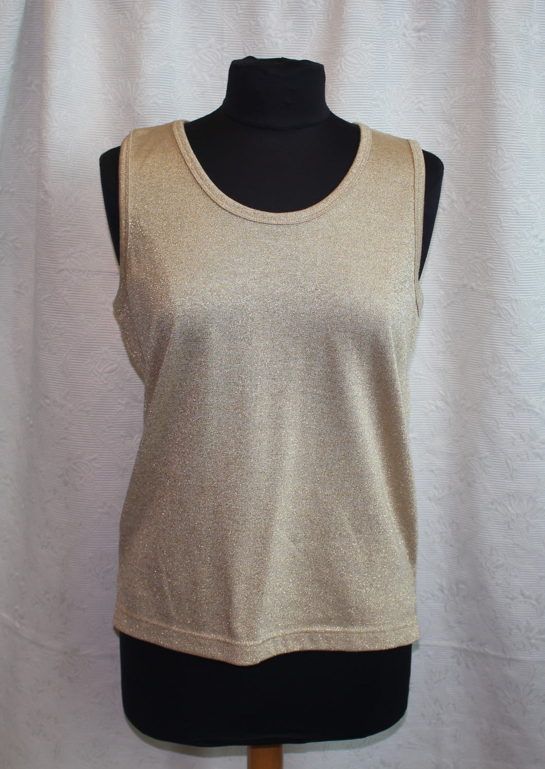 Women's Sparkle Gold Top                         M                                               3/17C