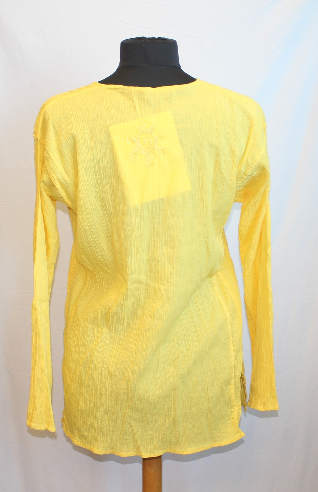 Women's yellow shirt      Size M                4/7A