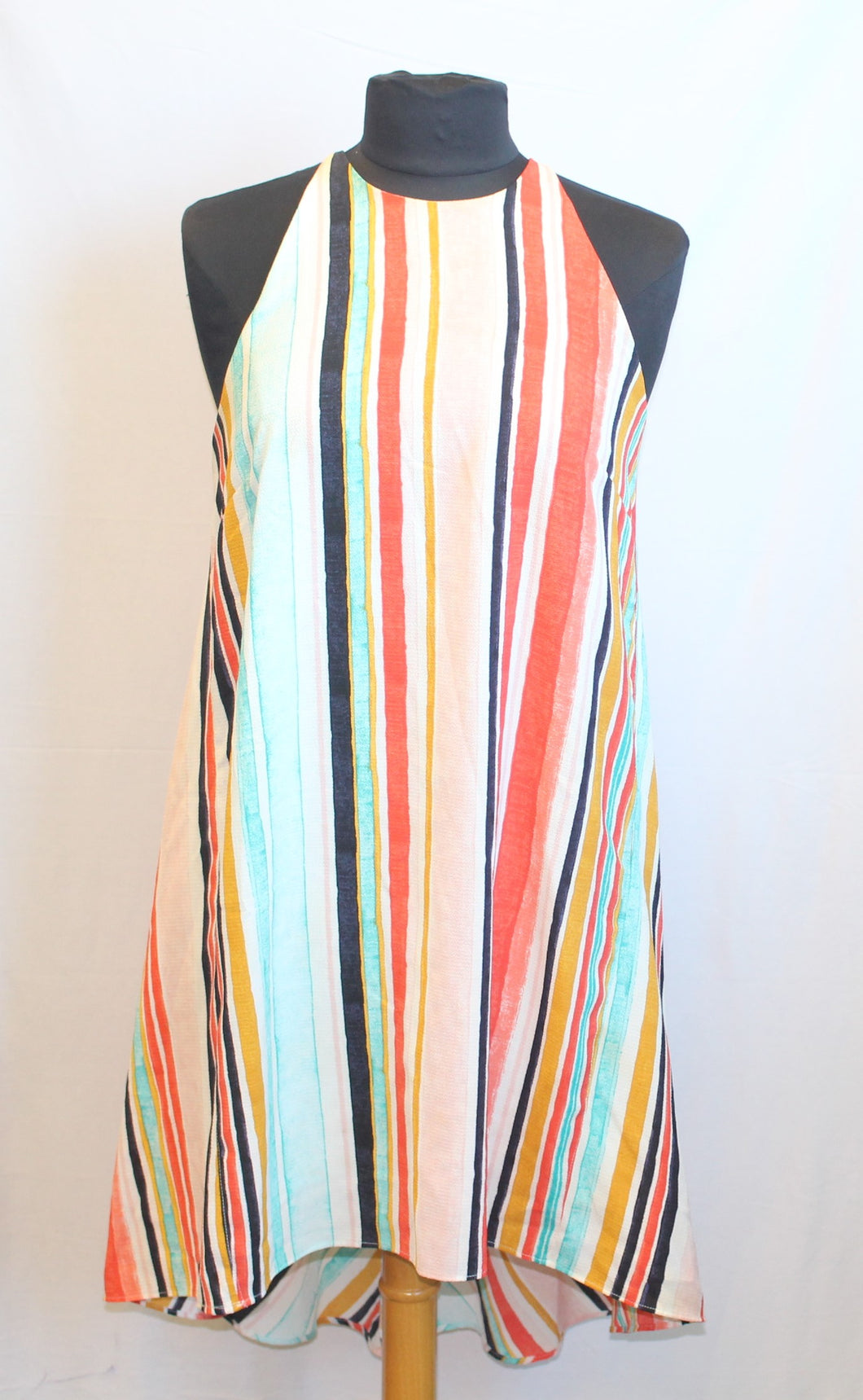 Women's multi-colored sleeveless dress            Size S                  4/7A