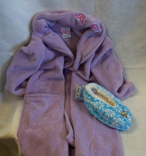 Load image into Gallery viewer, Kids - Girls - Purple Robe and slippers - Size 4-5         1/20B