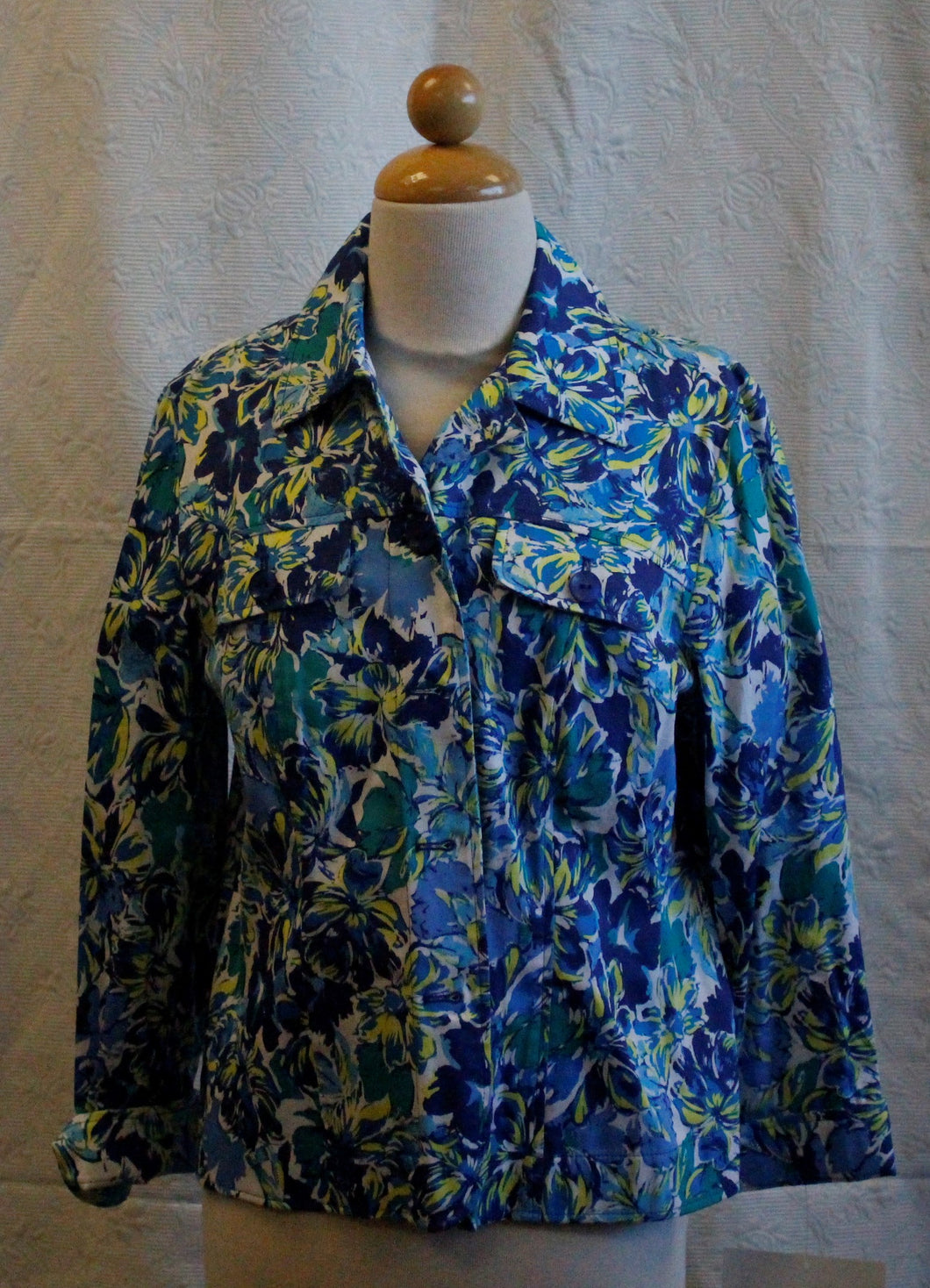 Women's Blue/Yellow/White Floral Jacket     M(P)                                         1/27A