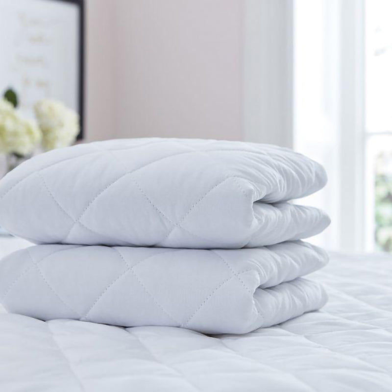 Silentnight Soft As Silk Pillow Protectors (2 Pack)