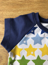 Load image into Gallery viewer, Raglan T-Shirt rainbow star print. Size 3-6 months