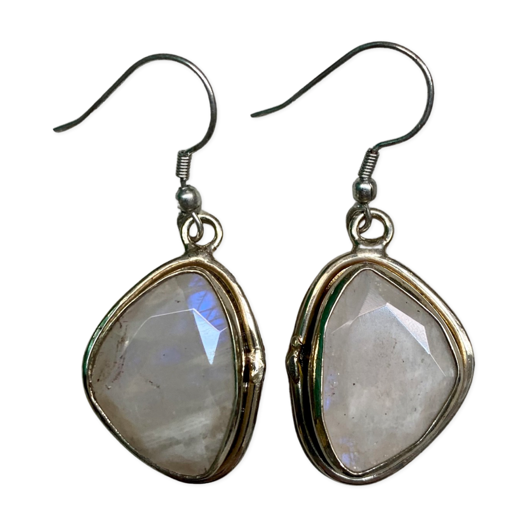 [EE-3397-RQSI] Earring - Silver White Metal w/ Rainbow Quartz