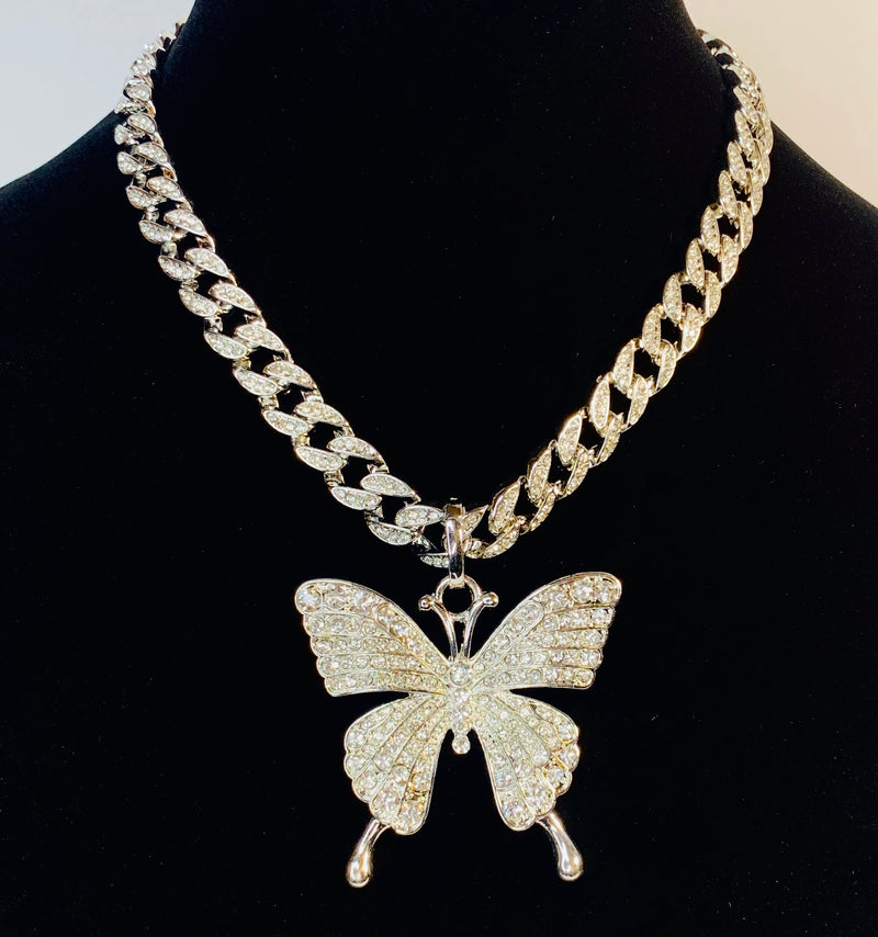 RHINESTONE BUTTERFLY CHUNKY CHAIN NECKLACE WITH EARRING SET