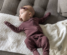 Load image into Gallery viewer, l'oved baby organic zipper footie