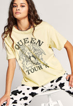 Load image into Gallery viewer, daydreamer queen tour '75 tee