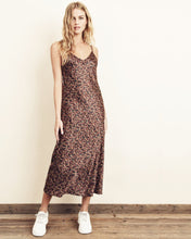 Load image into Gallery viewer, autumn ditsy floral midi slip dress
