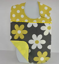 Load image into Gallery viewer, Toddler Bib - Daisy