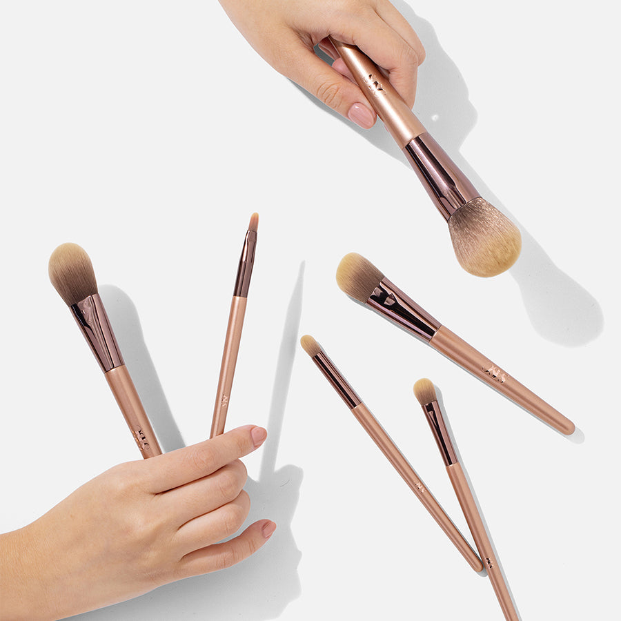 READY TO GLOW BRUSH SET